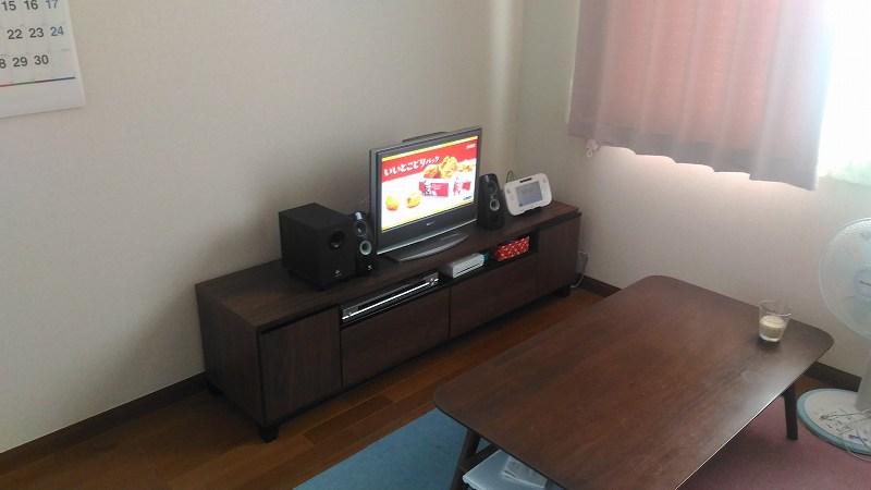 テレビボードのある部屋
