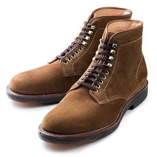 スウェード生地のブーツ