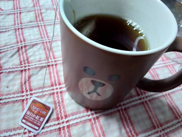 マグカップに入った紅茶