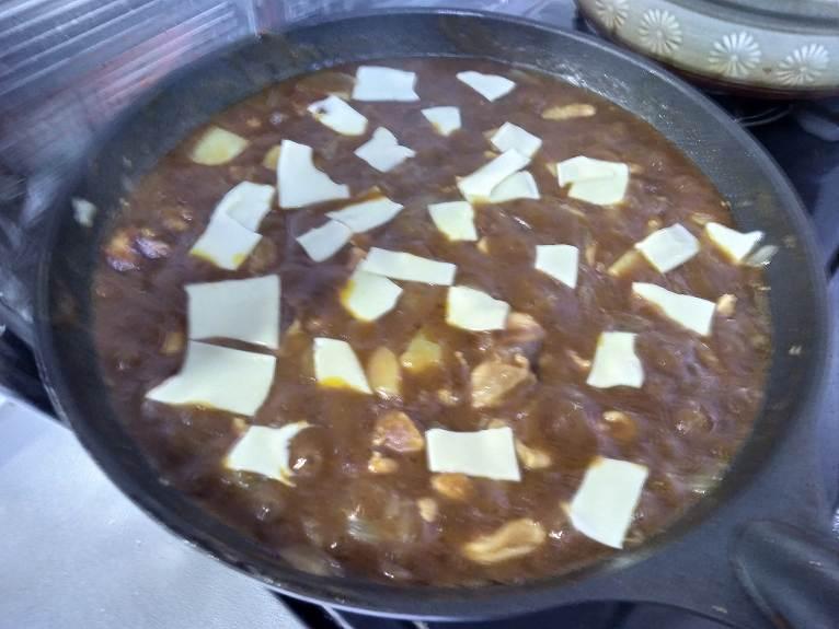 チーズをのっけたカレー