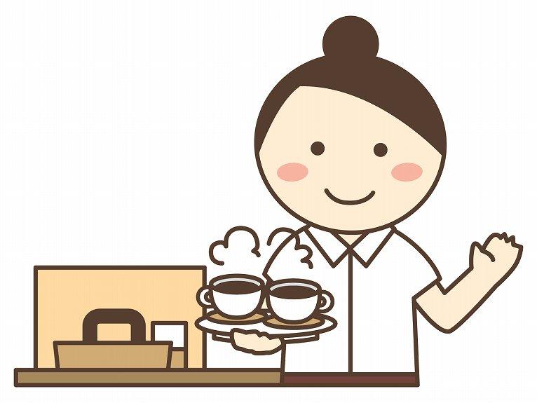 コーヒーを運ぶ女性