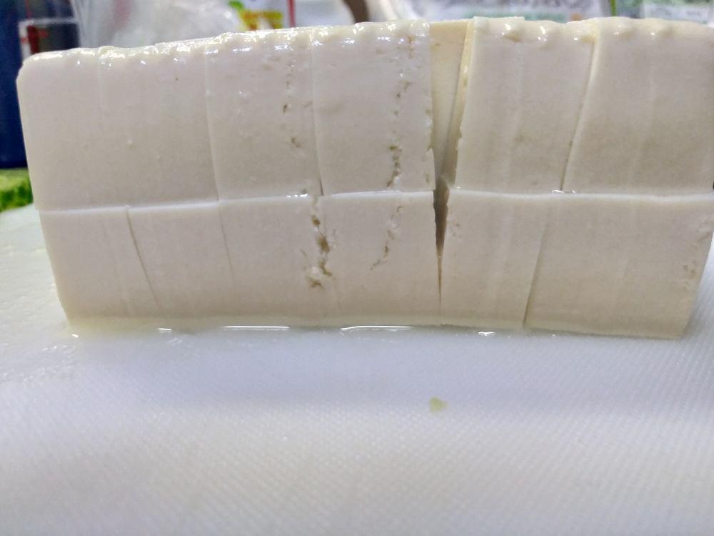 横から見た豆腐