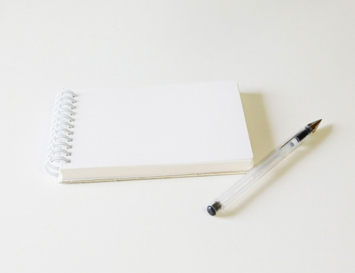 ペンとメモ帳