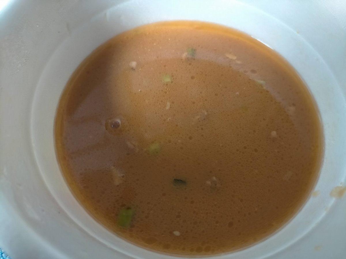 カップラーメンのスープ(味噌)